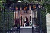 Dianggap Bawa Sial, Rumah Mantan CEO Google Dijauhi Orang