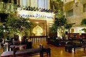 """Surabaya Plaza Hotel, """"No Tipping, No Smoking..."""""""