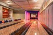 Lady Gaga Punya Arena 'Bowling' Sendiri di Rumahnya