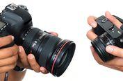 Menyimak Perbedaan Kamera 'Mirrorless' dan DSLR