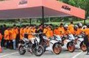 """""""Rider"""" KTM Warnai Oranye Minggu Jakarta"""