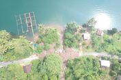 Longsor, Akses Jalan Dua Nagari di Agam Lumpuh, Warga Terpaksa Naik Perahu