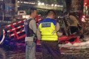 Tabrak Pembatas Jalan Tol, Bagian Kepala Truk Pertamina Jatuh ke Jalur Arteri