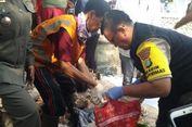 Jenazah Bayi Terbungkus Plastik Ditemukan Mengapung di Kali Baru