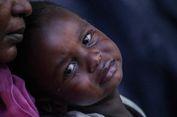 FOTO: Pengungsi Afghanistan dan Sudan Terlantar di Trotoar