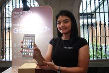Samsung Galaxy J7 Plus dari Berbagai Sisi