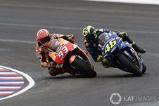 Detik-detik Marquez Jadi Penyebab Rossi Terjatuh