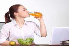 5 Cara Makan agar Terhindar Sakit Kronis