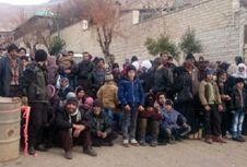 Dikepung Tentara Assad, Warga Suriah Terpaksa Makan Rumput
