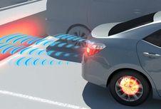 Toyota Buktikan Sistem Bantu Parkir Semakin Aman