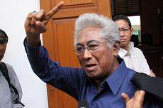 Adnan Buyung: Sebaiknya Semua Hakim MK Mengundurkan Diri
