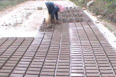 Sawah Kering, Petani Parepare Beralih Buat Batu Bata