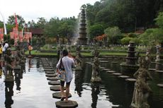 Siap-siap, Tiket Masuk Tirta Gangga di Bali Naik 100 Persen