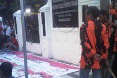 Spanduk Prabowo-Hatta Diturunkan, Pemuda Pancasila Serbu Kantor Pol PP