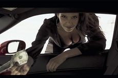 Begini Ekspresi Model Seksi Perancis Diajak