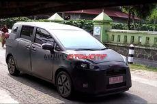 Video Lengkap Tes Jalan Toyota Sienta di Indonesia