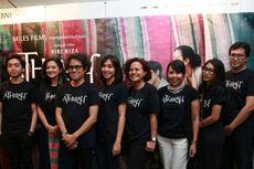 Riri Riza-Salman Aristo dan Jujur Prananto Genggam Piala Citra