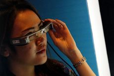 Beda Kacamata Pintar Epson dengan Google Glass