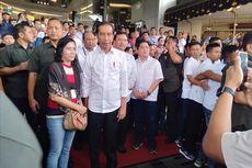 Seorang Wanita Muda Teriak Minta Motor Saat Jokowi Bertemu Prabowo