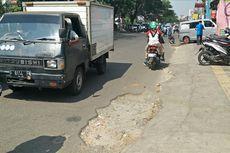 Hak Pejalan Kaki di Depok Kian Terenggut karena Trotoar Rusak dan Disesaki Kendaraan Parkir