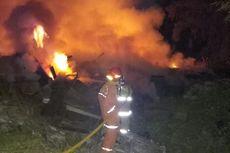 Gudang Kayu Terbakar di Duren Sawit, Pemilik Sempat Tak Mau Api Dipadamkan