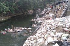 Kondisi Kali Ciliwung di Kampung Melayu: Kotor, Bau, Banyak Rumah di Bantaran