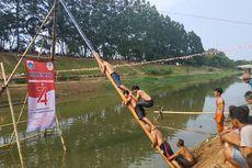Keseruan Lomba 17 Agustus di BKT, dari Tangkap Bebek sampai Panjat Pinang di Air