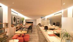 "Bikin Gemas, ""Bulldog"" Lucu Sambut Pengunjung Café DOnG by Sfera"