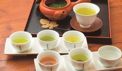 Wow, Menikmati 100 Jenis Teh Pilihan Pakar Teh di Kobe Chaihane