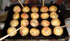 Doyan Takoyaki? Yuk, Coba Masak Takoyaki Sendiri di Osaka