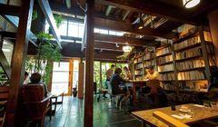 3 Kafe Buku di Kyoto Ini Cocok untuk Si Kutu Buku