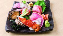 Cari Makanan Enak dan Murah di Osaka? Kunjungi Gedung Retro Tempat Restoran Seafood dan Yakiniku Terkenal