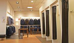 """Belanja Baju di Jepang, Ini Aturan """"Fitting Room"""" di Toko Baju"""