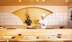 Restoran Jepang ini Menyajikan Sushi Dengan Cara Unik
