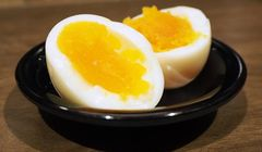 Telur Asin Rebus Setengah Matang, Inovasi Baru yang Terkenal di Ichiran