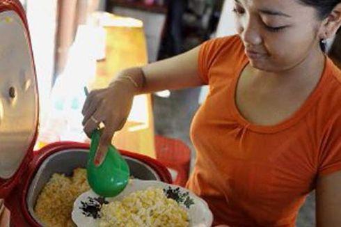 Berhemat, Warga Pagergunung Makan Nasi Jagung