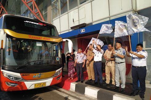 Kemenhub Lepas Bus Perdana AKAP Tol Trans Jawa Tujuan Surabaya