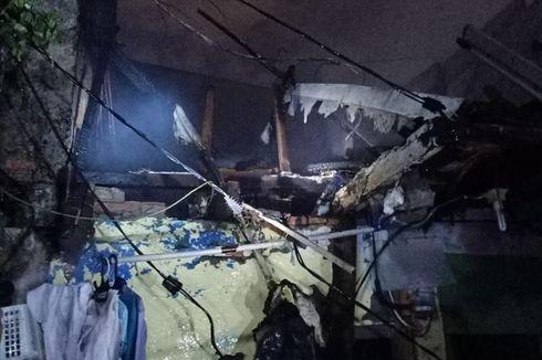 Kebakaran Lalap Rumah Warga di Jatinegara