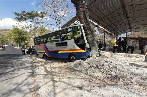 Truk Tabrak Bus Diduga Rem Blong, 10 Orang Terluka