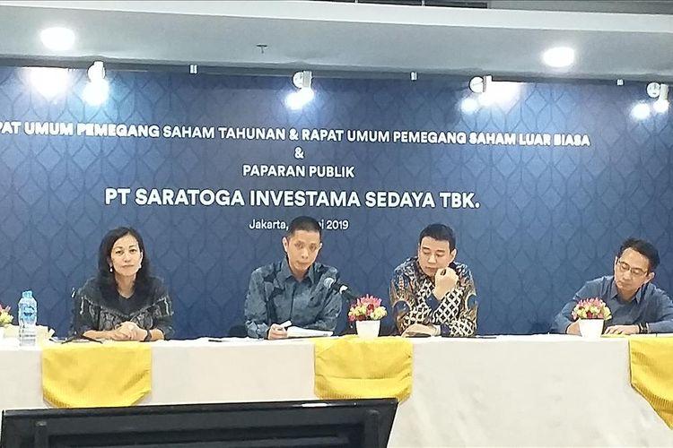 Jajaran Direksi Saratoga Investama Sedaya Tbk melakukan public expose hasil RUPST di Jakarta, Rabu (22/5/2019).