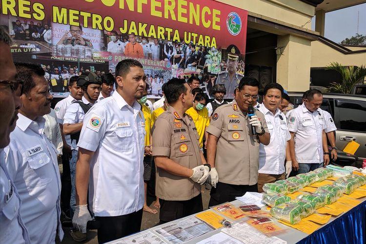 Kabid Humas Polda Metro Jaya, Kombes Argo Yuwono memberi Keterangan di Mapolres Metro Jakarta Utara