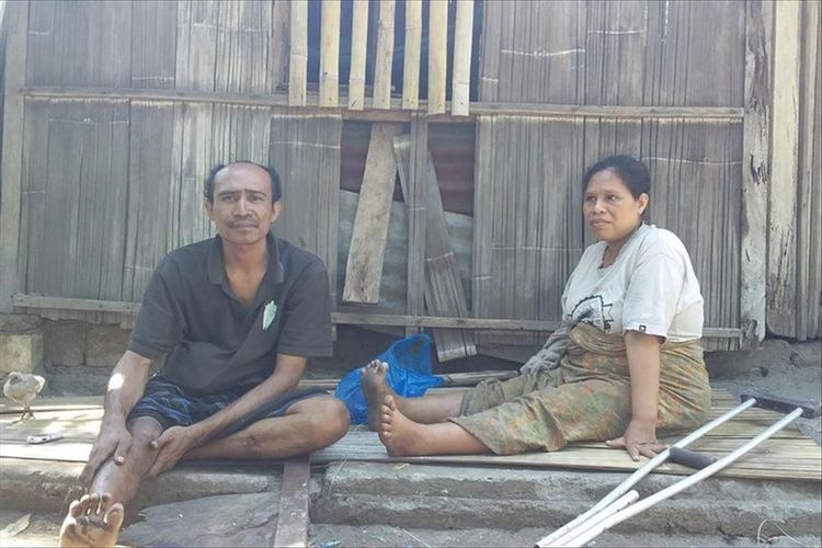 Foto : Suami Isteri, Quido Van Areso dan Yoventa Timbu, saat diwawancarai Kompas.com, Sabtu (6/7/2019).