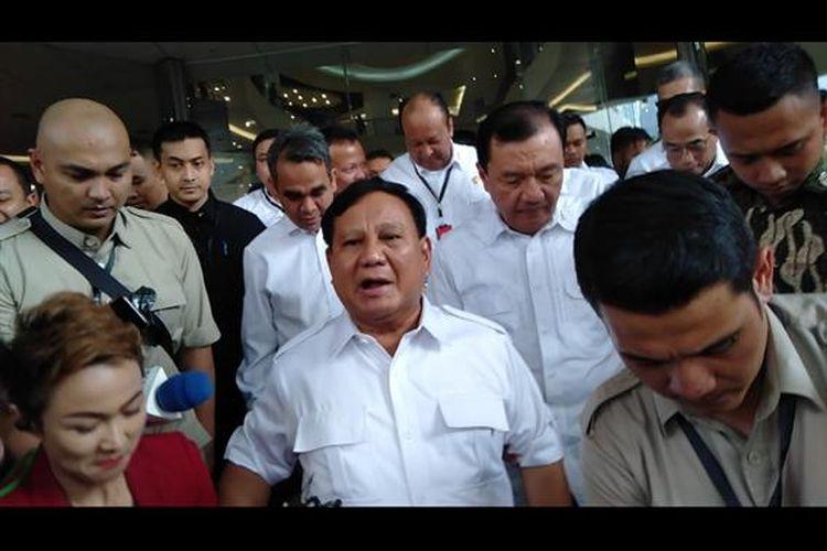 Prabowo Subianto usai makan siang dengan Jokowi di FX Sudirman, Jakarta Pusat, Sabtu (13/7/2109)