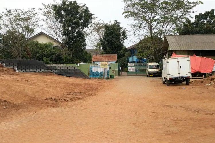 Debu pembangunan Tol Kunciran - Bandara Soekarno Hatta Menyelimuti SMPN 21 Tangerang