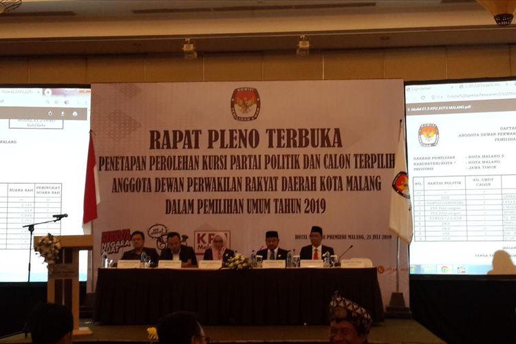 Sidang Pleno Terbuka Penetapan Anggota DPRD Kota Malang Terpilih oleh KPU Kota Malang, Minggu (21/7/2019)