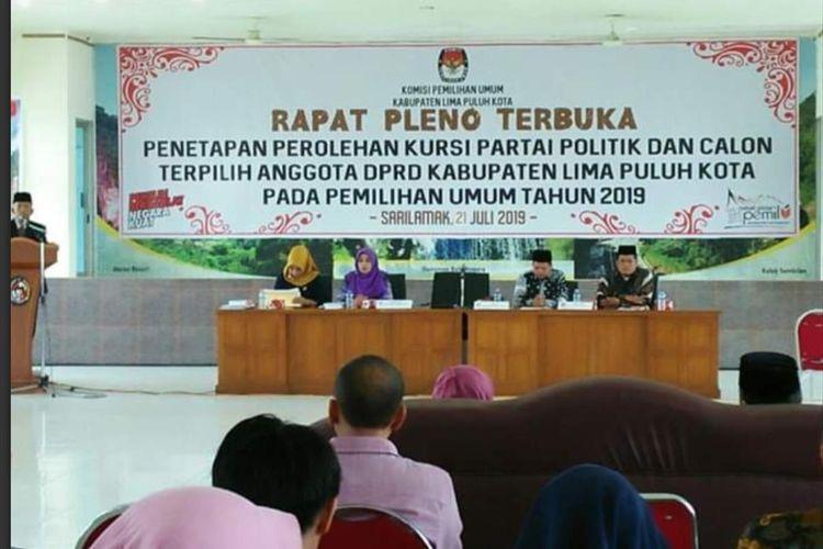 KPU Limapuluh Kota Sumatera Barat melaksanakan rapat pleno penetapan 35 anggota DPRD Limapuluh Kota periode 2019-2024.(Dok: Humas KPU Limapuluh Kota)