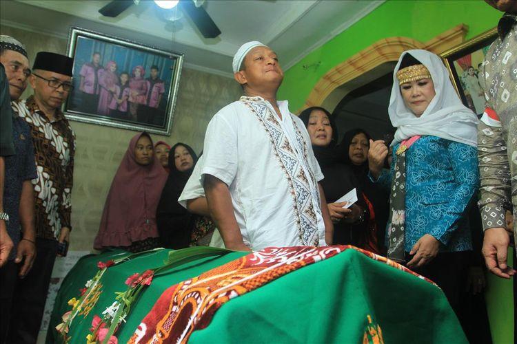 Jenazah WJ (14) korban penganiayaan SMA Taruna Indonesia ketika berada di rumah duka.