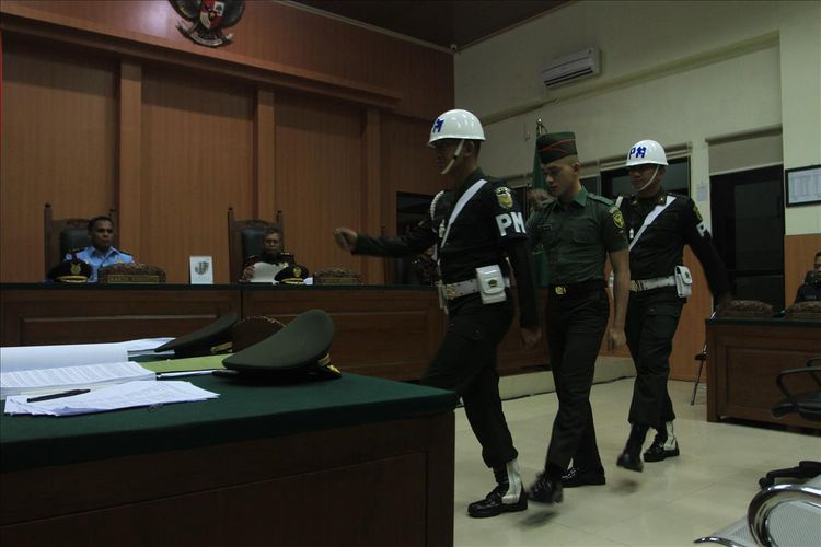 Prada DP ketika menjalani sidang di Pengadilan Militer I-04 Palembang, Kamis (1/8/2019).