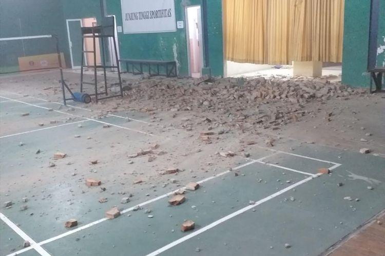 Pasca gempa magnitudo 7,4 di Provinsi Banten, Jumat (2/8/2019) sejumlah bangunan dilaporkan rusak.