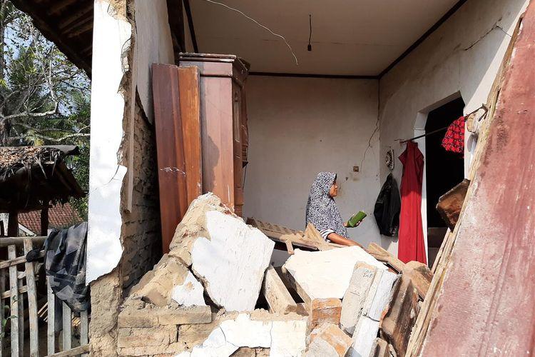 Hasil gambar untuk gempa banten rusak 200 bangunan